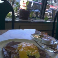 Photo taken at Z-7 Classic Diner by Keilon L. on 9/12/2012