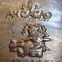 Foto tomada en Ah Cacao Chocolate Café por Joe D. el 11/8/2011
