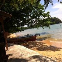 Photo taken at Usop Mee Udang Pulau Sayak by Rahifah A. on 4/8/2012