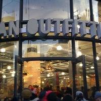 11/25/2011にKaleb M.がUrban Outfittersで撮った写真