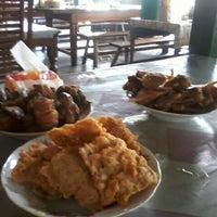 Photo taken at Soto Mas Kus by anton b. on 1/8/2012