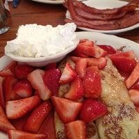 รูปภาพถ่ายที่ The Original Pancake House โดย Nancy S. เมื่อ 6/30/2012