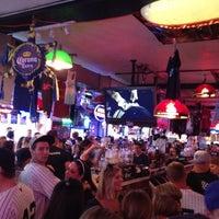 Foto tirada no(a) Stan's Sports Bar por Christina R. em 6/9/2012