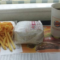 Photo taken at Burger King by 성장용(Jacky Seong) on 9/11/2012