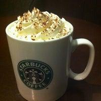 Photo taken at Starbucks by blovdm on 8/9/2012