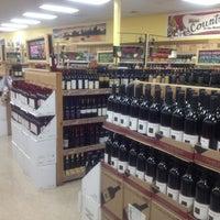 Foto scattata a Trader Joe's da Lisa G. il 7/1/2012