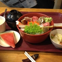 Photo taken at Ume Tei Japanese Restaurant by Iee Iee O. on 4/14/2012