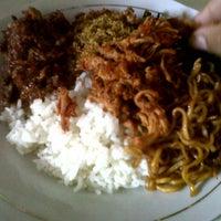 Photo taken at Warung Makan Khas Bali PUTRA by Ari P. on 9/12/2012