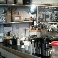 Снимок сделан в Everyman Espresso пользователем Kushal D. 10/7/2011