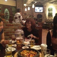 Photo taken at 비어할레 / Bier Halle by Choi S. on 4/6/2012