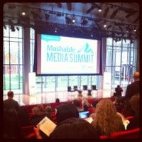 Das Foto wurde bei Mashable Media Summit 2011 von Cassel K. am 11/4/2011 aufgenommen