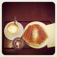 Das Foto wurde bei Café Esplanad von Chloe B. am 1/31/2012 aufgenommen