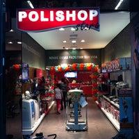 Photo taken at Polishop by Eduardo C. on 7/30/2011
