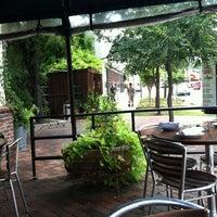 Foto tomada en The Porch por Cheryl R. el 8/5/2012
