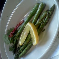 Foto tomada en La Parrilla Mexican Restaurant por Pedro G. el 5/27/2011