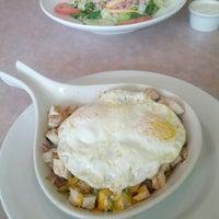 8/4/2012 tarihinde Scott K.ziyaretçi tarafından Windy City Cafe'de çekilen fotoğraf