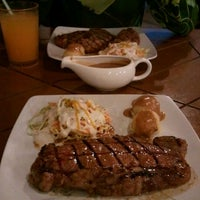 Photo taken at Me'nate Steak Hub by Ahmad Safwan A. on 2/29/2012