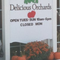 Photo taken at Delicious Orchards by Barbara Ann V. on 9/16/2011