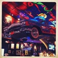 Снимок сделан в Hard Rock Cafe Houston пользователем Claudio A. 12/21/2011