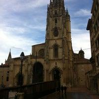 Снимок сделан в Catedral San Salvador de Oviedo пользователем Félix N. 1/1/2012