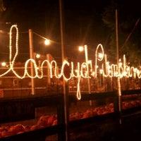 Foto diambil di Clancy's Pumpkin Patch oleh E M. pada 10/28/2011