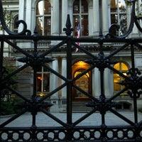 Foto tirada no(a) Old City Hall por Allan K. em 11/2/2011