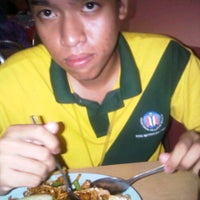 Photo taken at One Smile Bistro by Amar Afiq H. on 9/11/2011
