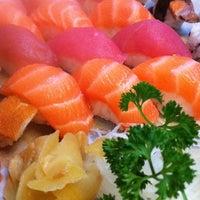 Foto tirada no(a) Ryuu Sushi Bar por Tici A. em 8/18/2011