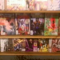 Foto tirada no(a) Comics Dungeon por Elliot M. em 12/27/2011