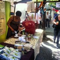 Das Foto wurde bei Wochenmarkt Winterfeldtplatz von Alper Ç. am 4/28/2012 aufgenommen