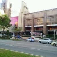 Foto scattata a Great World City da uhyouhyo p. il 8/18/2011