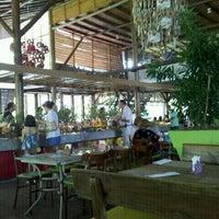 Photo taken at Restaurante Papa Capim by Tacito G. on 12/11/2011