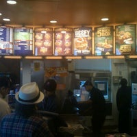 Photo taken at Taco Bell by Jay Y. on 1/7/2011