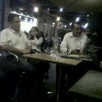Foto tomada en Terraza Café Bucarica por Tatiana N. el 3/23/2012
