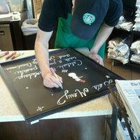 Das Foto wurde bei Starbucks von Laurence M. am 12/22/2011 aufgenommen