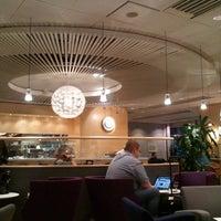 Foto diambil di Menzies Business Lounge oleh Rashpal B. pada 10/30/2011