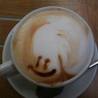 Foto tomada en Caffe Delle Rose por Ana A. el 9/10/2011
