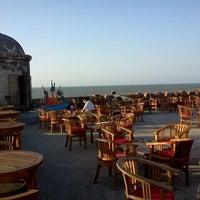 Foto tomada en Café del Mar por Julian M. el 2/2/2012