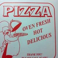 รูปภาพถ่ายที่ Marino's Pizza and Pasta House โดย Tony C. เมื่อ 12/5/2011