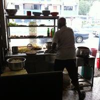 Photo taken at Swee Kong Coffee Shop (瑞江茶室) by Wai Onn C. on 9/11/2011