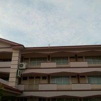 Photo taken at Sekolah Rendah Katok 'A' by Zulkhairi Z. on 10/19/2011