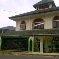 Photo taken at Masjid Raya Jabalurrahmah by Rizki A. on 10/7/2011