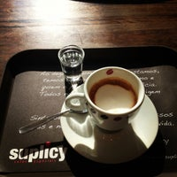 Photo taken at Suplicy Cafés Especiais by Simone N. on 9/5/2012