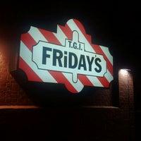 Das Foto wurde bei T.G.I. Friday's von Cesar P. am 9/3/2011 aufgenommen