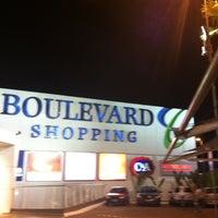 Foto tirada no(a) Boulevard Shopping por Jhonatan F. em 11/22/2011