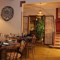 Photo taken at Restaurante Bangkok by Leonardo P. on 11/13/2011