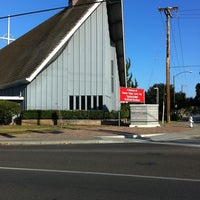 Photo taken at First Presbyterian Church of Mountain View by Jes C. on 12/7/2011