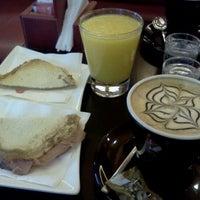 Foto tomada en Caffé del Doge por Javier R. el 1/13/2012