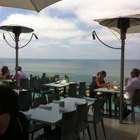 7/26/2011 tarihinde Adrianne B.ziyaretçi tarafından George's at The Cove'de çekilen fotoğraf