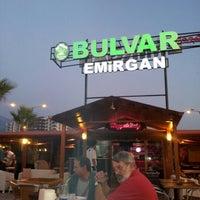 7/14/2012 tarihinde Muratziyaretçi tarafından Bulvar Emirgan Cafe'de çekilen fotoğraf